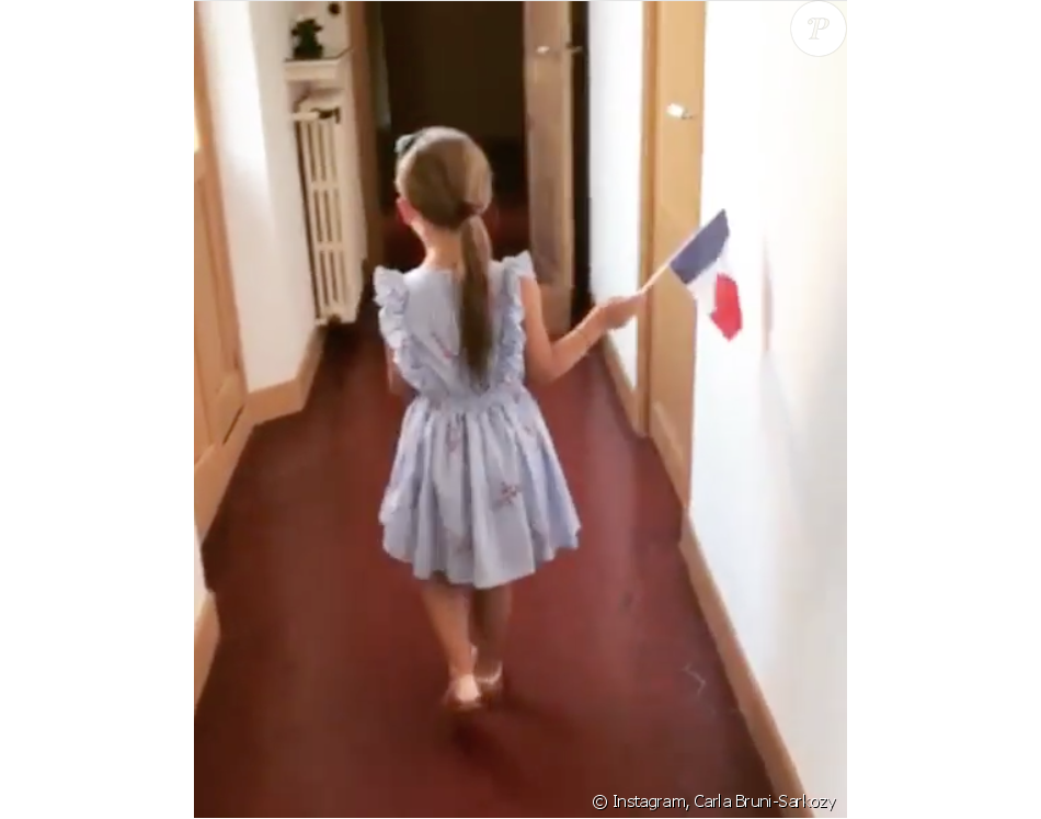 """La petite Giulia Sarkozy chante """"La Marseillaise"""" pour soutenir les Bleus, le 10 juillet 2018."""