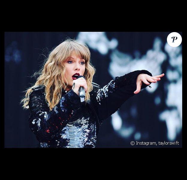 Taylor Swift surprise en pleine tournée estivale, ce 13 juillet 2018.
