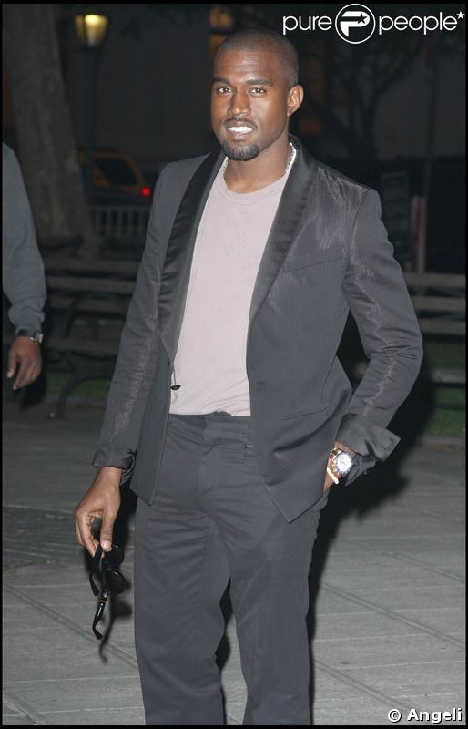 Kanye West lors de la soirée Vanity Fair pour l'ouverture du 8e festival de Tribeca à New York le 21 avril 2009