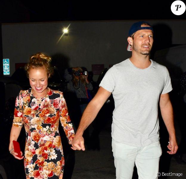 """Hayden Panettiere et un ami à la sortie du restaurant """"Craig's"""" à Los Angeles, le 2 août 2018."""