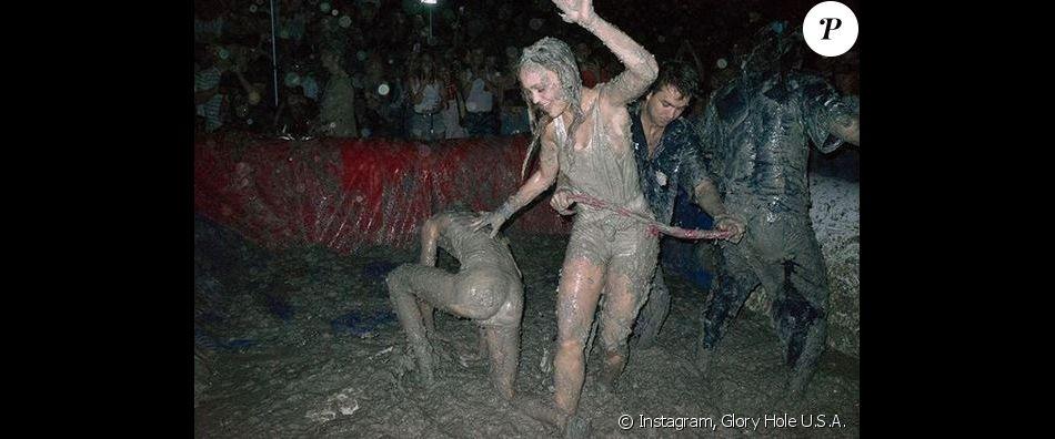 Lily-Rose Depp a participé à The Great American Mud Wrestle dans la Sun Valley, en Californie. Août 2018.