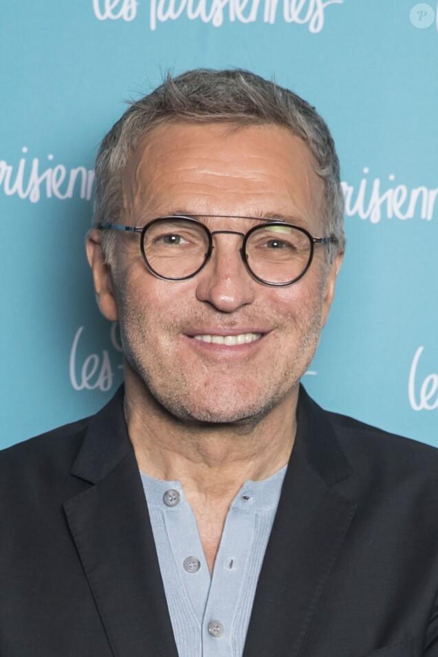 """Exclusif - Laurent Ruquier - Photocall de la première du spectacle """"Les Parisiennes"""" aux Folies Bergères à Paris le 24 mai 2018. © Olivier Borde - Pierre Perusseau/Bestimage"""