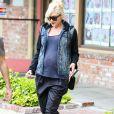 En 2014, la chanteuse Gwen Stefani a donné naissance à son troisième enfant, Apollo, lorsqu'elle était âgée de 44 ans. Elle était déjà mère de deux garçons.