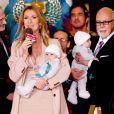 Céline Dion avait 42 ans lorsqu'elle a donné naissance à ses jumeaux Eddy et Nelson en 2010. Avec René Angélil, ils étaient déjà parents de René-Charles, alors âgé de 10 ans.