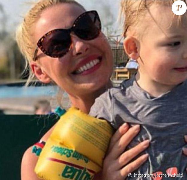 Katherine Heigl a partagé des photos de sa journée à la piscine avec sa famille sur Instagram, août 2018