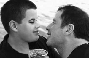 John Travolta appelé à témoigner dans l'affaire d'extorsion de fonds suite à la mort de son fils, dont il est victime...