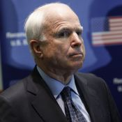 John McCain : Atteint d'un cancer du cerveau, le sénateur renonce à se battre