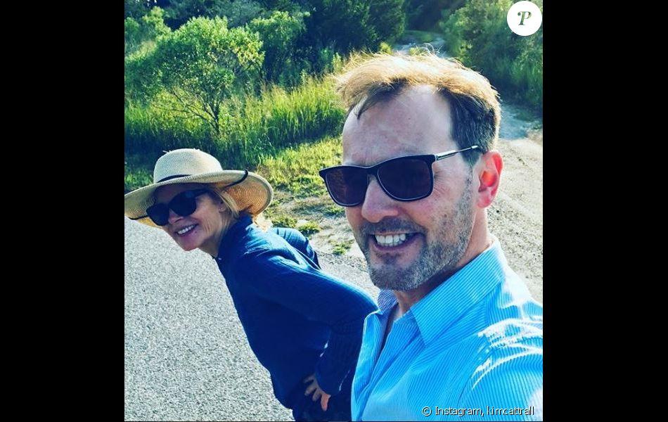 Kim Cattrall et son chéri Russell Thomas. Instagram, août 2018