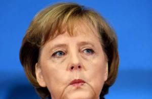 Angela Merkel en sous-vêtements... sur les Champs Elysées allemands !