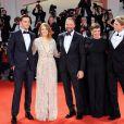 """Nicholas Hoult, Emma Stone, Joe Alwyn, Olivia Colman, Yorgos Lanthimos - Première du film """"The Favourite"""" lors du 75ème festival du film, la Mostra le 30 aout 2018."""