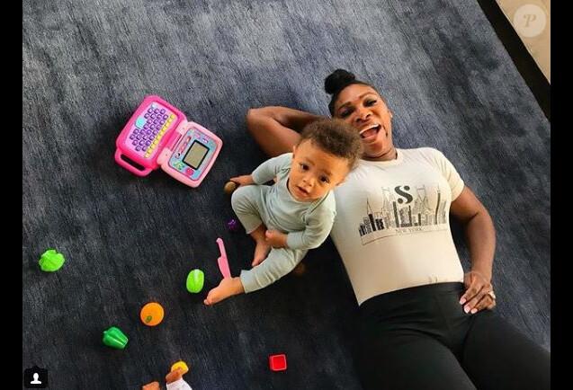 Serena Williams avec sa fille Olympia le 21 août 2018.