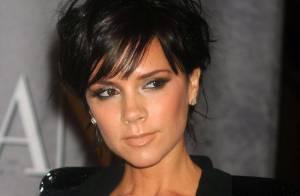 Victoria Beckham a charmé New York avec son joli et profond décolleté, regardez !