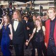 ARCHIVES - GERARD DEPARDIEU AVEC SA FEMME ELISABETH ET LEURS ENFANTS, JULIE ET GUILLAUME AU FESTIVAL DE CANNES EN 1992 00/05/1992 - Cannes