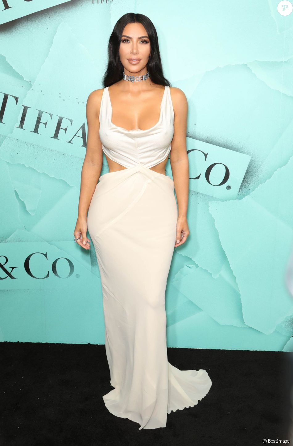 "Kim Kardashian à la soirée ""2018 Tiffany Blue Book Collection: The Four Seasons of Tiffany"" au Studio 525 à New York, le 9 octobre 2018."