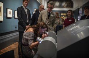 Kate Middleton : Ravissante pour sa nuit au musée