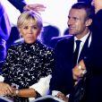 Le président de la République française Emmanuel Macron et sa femme la première dame Brigitte Macron assistent au concert en hommage à Charles Aznavour sur la place de la Répulique à Erevan, Arménie, le 11 octobre 2018. © Dominique Jacovides/Bestimage