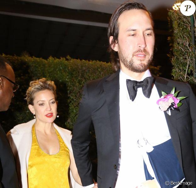 Kate Hupton, enceinte et son compagnon Danny Fujikawa - Les célébrités quittent la soirée qui est censé être le mariage de Gwyneth Paltrow et de son fiancé Brad Falchuk à Los Angeles le 14 avril 2018.