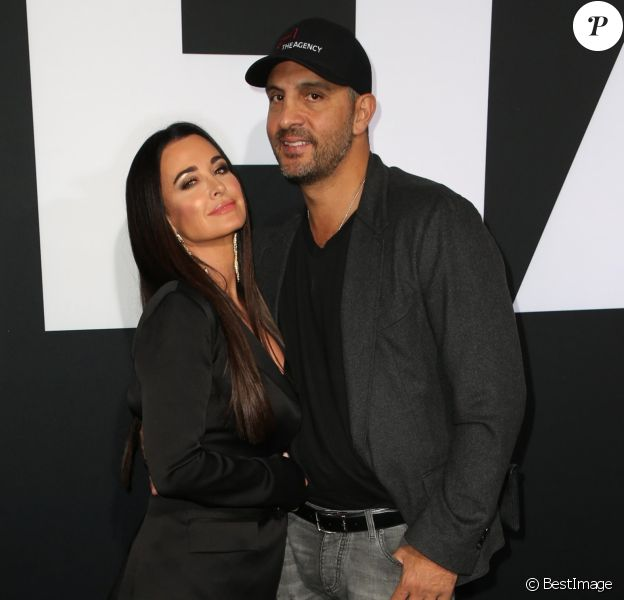 "Kyle Richards et son mari Mauricio Umansky - Première du film ""Halloween"" au TCL Chinese Theatre à Hollywood. Le 17 octobre 2018  Hollywood, CA - Guests attend the Universal Pictures' 'Halloween' premiere at TCL Chinese Theatre17/10/2018 - Hollywood"