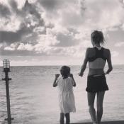Tiphaine Auzière : La fille de Brigitte Macron se prélasse avec sa fille