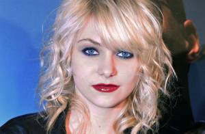 Taylor Momsen sort un album ! Véritable Courtney Love des Gossip Girl... Regardez !