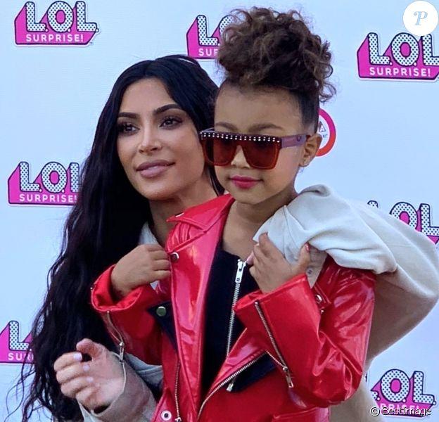 Exclusif - Kim Kardashian et sa fille North West lors du LOL Kids Fashion Show à Los Angeles le 22 septembre 2018.