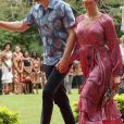 "Le prince Harry, duc de Sussex et sa femme Meghan Markle, duchesse de Sussex (enceinte) visitent le campus de l'Université du Pacifique Sud (""University of the South Pacific"") à Suva lors de leur voyage officiel aux îles Fidji, le 24 octobre 2018."