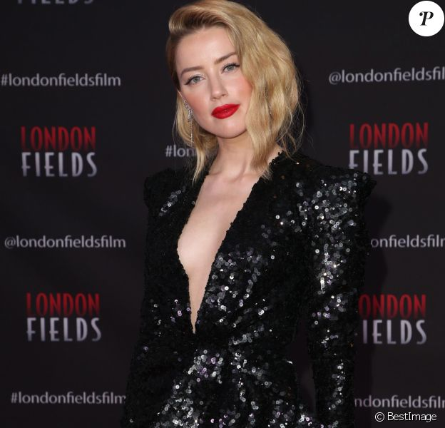 "Amber Heard (robe Elie Saab) à la première de ""London Fields"" au London Hotel à Los Angeles, le 25 octobre 2018."