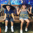 Le prince Nicolas et la princesse Leonore de Suède photographiés par leur mère la princesse Madeleine de Suède lors de leur chasse aux citrouilles pour Halloween, photomontage publié sur Instagram le 21 octobre 2018.