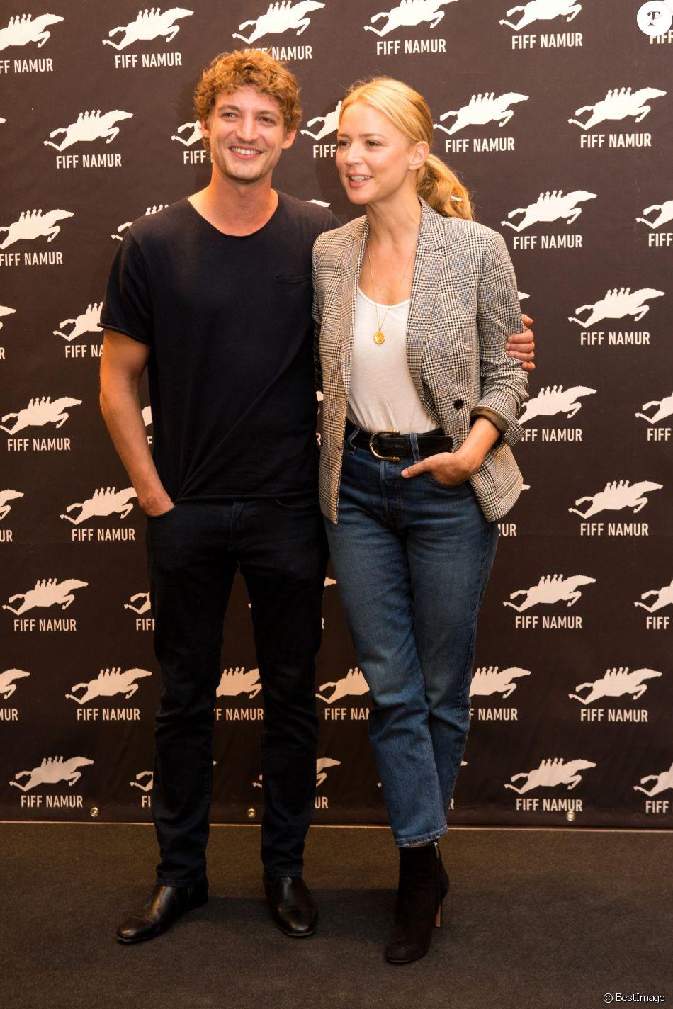 Niels Schneider Et Virginie Efira Photocall De La 33eme Edition Du Festival Du Film Francophone A Namur En Belgique Le 29 Septembre 2018 Purepeople
