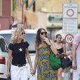 Meg Ryan fait du shopping avec une amie à Portofino, Italie, le 5 août 2018.