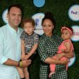 Tamera Mowry avec son mari Adam Housley et leurs enfants Aden Housley et Ariah Housley à la journée Safe Kids Day aux studios Smashbox à Culver City, le 22 avril 2016