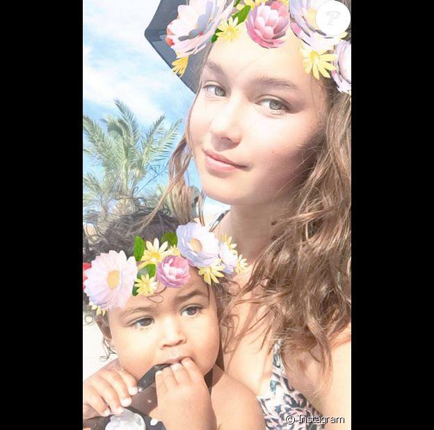 Alaina Housley, la nièce de Tamera Mowry, avec la fille de cette dernière, Ariah, sur une photo publiée sur Instagram en juillet 2017