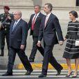 Le roi Felipe VI et la reine Letizia d'Espagne à la mairie de Lima au Perou le 12 novembre 2018.