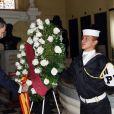 Le roi Felipe VI et la reine Letizia d'Espagne ont visité le panthéon de Lima et déposé une gerbe de fleurs lors de leur visite officielle au Pérou le 12 novembre 2018.