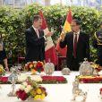 Le roi Felipe VI et la reine Letizia d'Espagne ont déjeuné avec le président du Pérou Martin Vizcarra et sa femme Maribel Carmen Diaz au palais du gouvernement à Lima à l'occasion de leur visite officielle au Pérou le 12 novembre 2018.