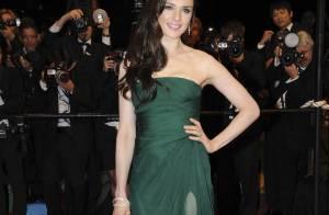 Rachel Weisz persiste et signe, côté look, son idole c'est... Angelina Jolie !