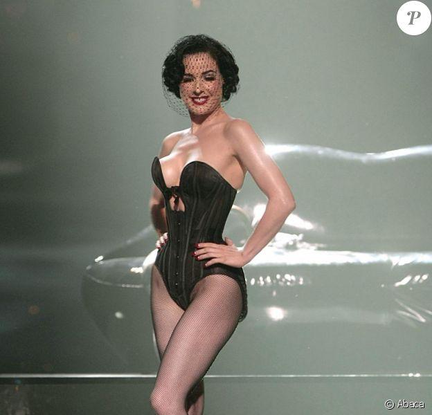 Dita von Teese a offert un superbe chaud au VIP Room, le 18 mai, à Cannes !