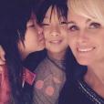 Joy, Jade et Laeticia Hallyday. Photo publiée en mars 2018.