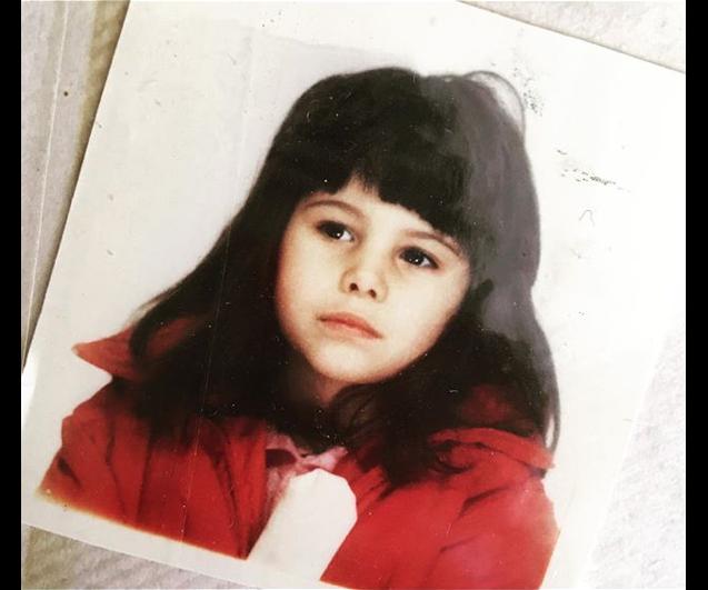 Karine Ferri enfant, un cliché dévoilé le 7 décembre 2018.