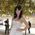 Katy Perry, ultra ravissante et très pulpeuse dans sa petite robe bustier rehaussée d'une multitude de petites fleurs...