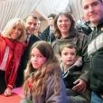 """Le président de la république, Emmanuel Macron et la Première Dame Brigitte Macron fêtent le Noël de l'Elysée à la Manufacture des Gobelins, Paris, France, le 19 décembre 2018. A l'occasion du traditionnel """" Noël de l'Elysée """" qui a lieu cette année à la Manufacture des Gobelins (en raison des travaux de rénovation actuellement en cours), le Président de la République et la Première Dame Mme Brigitte Macron, ont accueilli des enfants du personnel de l'Elysée, des enfants de policiers, gendarmes, pompiers et de militaires morts ou gravement blessés en service cette année, ainsi que des enfants de l'association ELA, Solidarité enfants Sida, Du Sport et plus, et des résidents de l'institut médico-éducatif Henri Wallon. © Stephane Lemouton / Bestimage"""