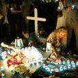 Exclusif - Maryline (femme de Grégory Boudou) - Laeticia Hallyday et ses proches lors de la deuxième veillée pour le premier anniversaire de la mort de Johnny Hallyday au cimetière marin de Lorient à Saint-Barthélemy le 6 décembre 2018. © Dominique Jacovides / Bestimage