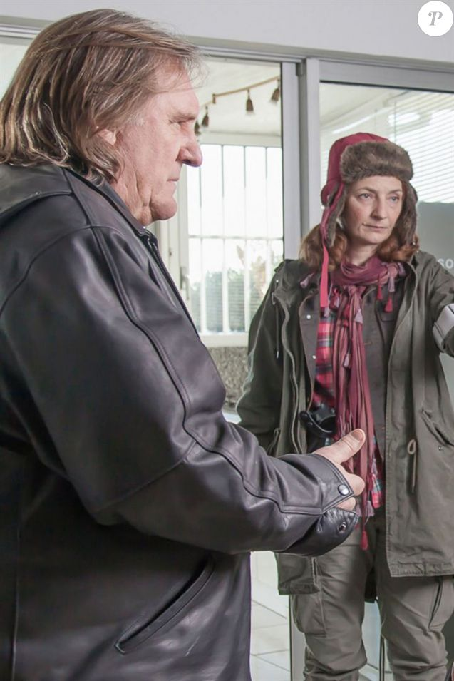 "Gérard Depardieu et Corinne Masiero dans ""Capitaine Marleau"" - série de France 3, 2016."