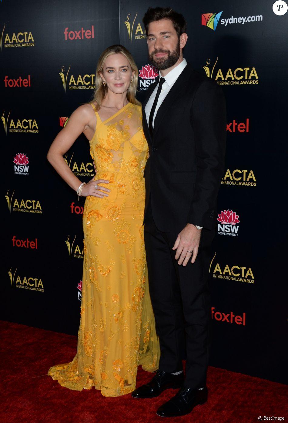 """Emily Blunt et son mari John Krasinski - Photocall de la 8ème cérémonie des """"AACTA (Australian Academy of Cinema and Television Arts)"""" à Los Angeles. Le 4 janvier 2019"""