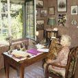 En France, à Onesse-et-Laharie dans les Landes, Christine De Rivoyre posant en mai 1989.00/05/1989 -
