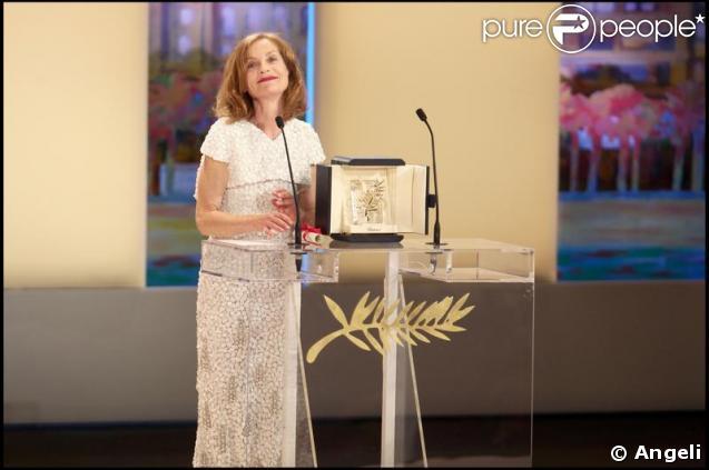 Isabelle Huppert durant la cérémonie de clôture du 62e Festival de Cannes