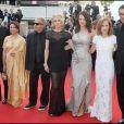 Isabelle Huppert et les membres du jury  durant la cérémonie de clôture du 62e Festival de Cannes