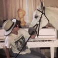 Lady Gaga et sa jument Arabella. Le 13 janvier 2019, après la cérémonie des Critics' Choice Awards, la chanteuse a appris que son cheval allait mourir.
