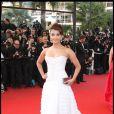Aishwarya Rai lors de la montée des marches du film  Up  durant le Festival de Cannes 2009
