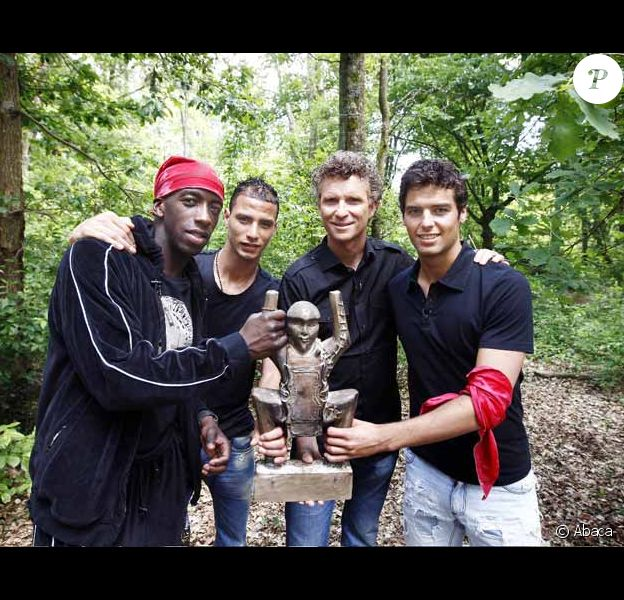 Souleymane Diawara, Marouane Chamak, Denis Brogniard et Yoan Gourcuff  sur le tournage d'un episode de TELEFOOT AWARDS-KOH LANTA
